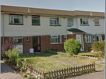 Large room Slough/ Burnham :  Includes Bills and Wifi (...