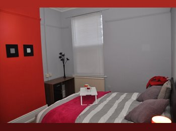 EasyRoommate UK - No Deposit Call Now!!! 50% off August rent, Litchurch - £360 pcm