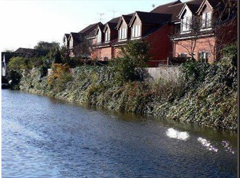 Lovely double rm, excellent location, canal views!