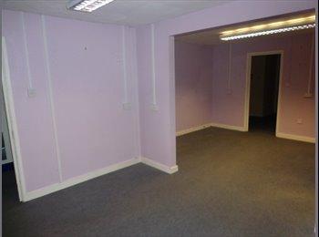 Large double rooms, Cadbury heath, Bills Inc