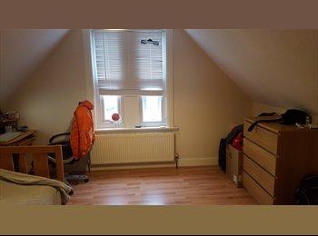 Large Double Bedroom in Beautiful Maisonette