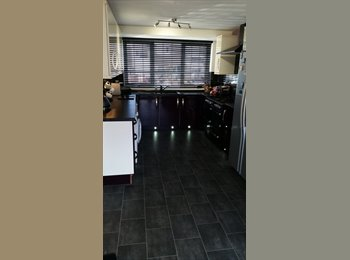 EasyRoommate UK - Nice quiet house in eastbourne - Old Town, Eastbourne - £425 pcm