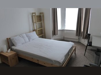 EasyRoommate UK -  Large Double Room , Milton - £370 pcm