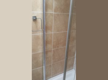 EasyRoommate UK - Newly Renovated House with Ensuite Shower Rooms, Coventry - £490 pcm