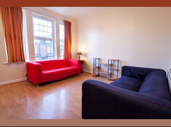 Rooms Available in House Share In Headingley!!