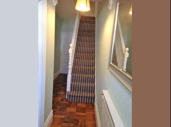 EasyRoommate UK - Bright Double Room, Abington - £375 pcm