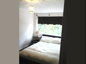 Room to rent durham city