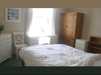 Large Double room in newly refurb.d house with garden...