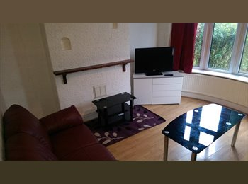 EasyRoommate UK - GREAT ROOM AVAILABLE FALLOWFIELD/WITHINGTON, Manchester - £375 pcm