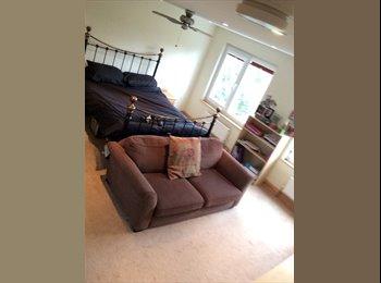 EasyRoommate UK - Large bright double en-suite room in a GAY HOUSE - Petts Wood, London - £750 pcm