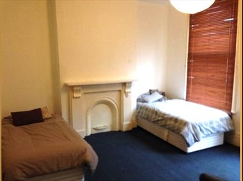 EasyRoommate UK - Twin Room Available now, No Deposit 1 bed space , Shacklewell - £390 pcm