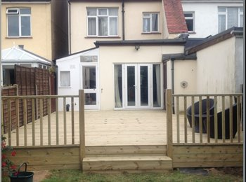 EasyRoommate UK - Double Bedroom - perfect location for Commuters - Southend-on-Sea, Southend-on-Sea - £550 pcm