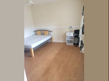 EasyRoommate UK - Newly refurbished house in Canley - Canley, Coventry - £433 pcm