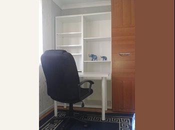 Ladny pokój z lazienka lub bez