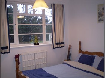 EasyRoommate UK - Southl Facing  sunny Location in Art Deco Building - Stoneygate, Leicester - £350 pcm