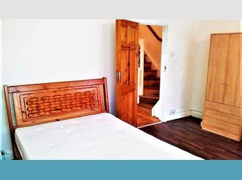 Whole house to let, ready to move in & furnished