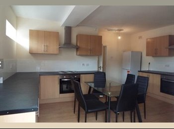 EasyRoommate UK - Newly Refurbished Spacious Property - Chesterton, Newcastle under Lyme - £280 pcm