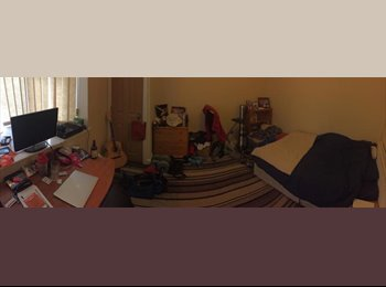 Great double room available at cheap price!