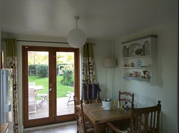 Quiet country cottage close to Junction 12 of M4