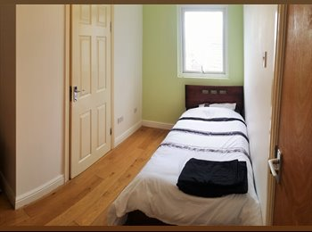 EasyRoommate UK - Great workers only ensuites for only £299!! - Tuebrook, Liverpool - £299 pcm
