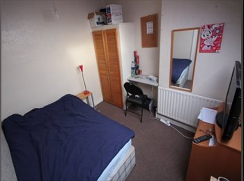 One room to rent central Hyde Park