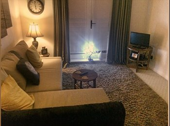 Fully furnished room to rent - females only! £385