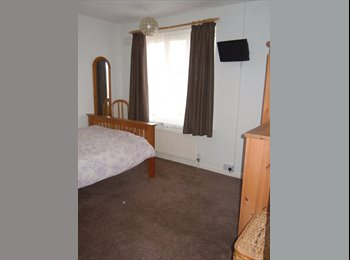 room to let 10x12' parking off road,  female's only