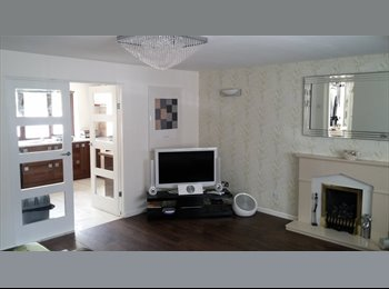 EasyRoommate UK -    renting  a room & sharing a fab home - Great Sankey, Warrington - £400 pcm