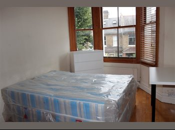 Good size double room with private bathroom Acton!