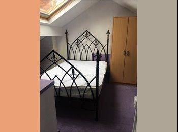 EasyRoommate UK - Large Attic Room Smaller Standard Double Room Rent - Kirkhamgate, Wakefield - £360 pcm
