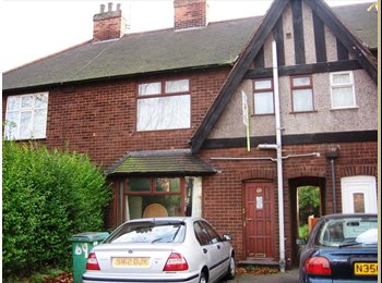 Four bedroom house only minutes away from UoN