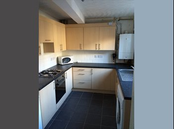 Large five double bedroom house close to UoN & QMC