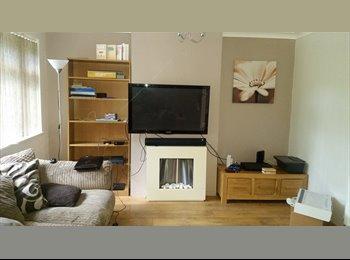 EasyRoommate UK - Double room in Sittingbourne - Sittingbourne, Sittingbourne - £400 pcm
