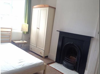 Large double room in 2 bed house with garden