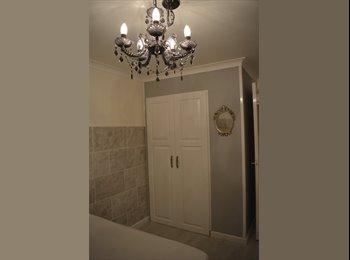 EasyRoommate UK - Beautiful New room In West Edinburgh, Edinburgh - £340 pcm