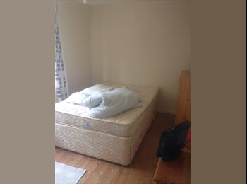 EasyRoommate UK - Large room in 3 bed house - Taunton, South Somerset - £3,400 pcm