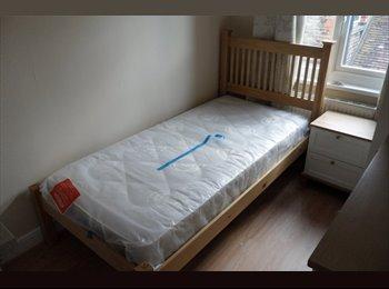 EasyRoommate UK - Newly Refurbished, Luxury, Pro. HMO in Bushey (5) - Bushey, Watford - £650 pcm