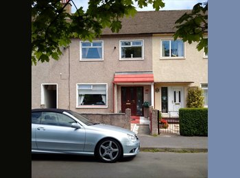 EasyRoommate UK - Terraced House in Glasgow - Govan, Glasgow - £750 pcm