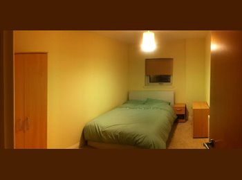 Double room available Glasgow Southside