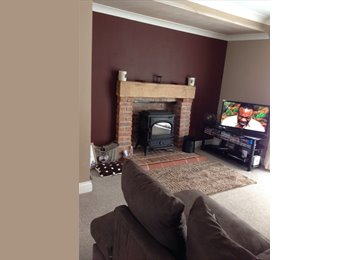 EasyRoommate UK - Large double room to rent in a spacious house - Castleford, Wakefield - £350 pcm