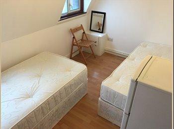 Twin room in Camden Town