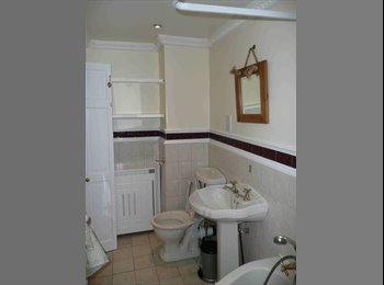 EasyRoommate UK - Semi-detached House in Gillingham - Gillingham, Gillingham - £995 pcm