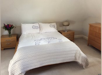 EasyRoommate UK - Large double room for rent in Bourne End - Bourne End, Bourne End - £450 pcm