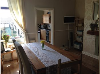 EasyRoommate UK - Spacious Double room in Greasbrough - Greasbrough, Rotherham - £300 pcm