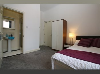 Big Double Bedrooms - Newly Refurbished