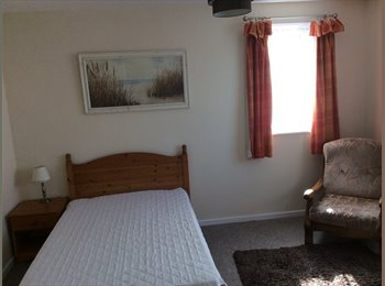 EasyRoommate UK - Large spacious sunny double room to let - Falmouth, Falmouth - £400 pcm
