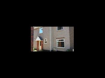 EasyRoommate UK - 4 bed house.  - Pontefract, Wakefield - £340 pcm