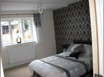EasyRoommate UK - Luxury Two Bedroom Flat - Barnet - Barnet, London - £1,400 pcm