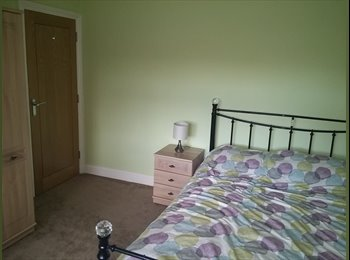 Nice, spacious double rooms in a clean house
