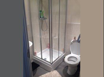 EasyRoommate UK - Beautiful en suite double room in Fairford Leys - Aylesbury, Aylesbury - £650 pcm